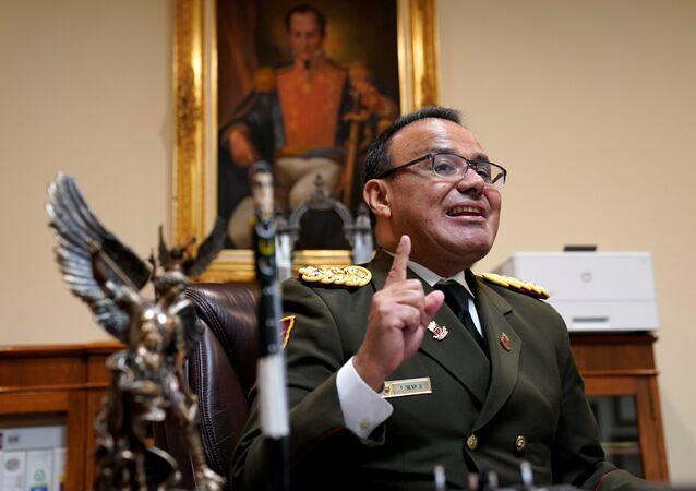 الملحق العسكري في سفارة فنزويلا لدى واشنطن الكولونيل خوسيه لويس سيلفا