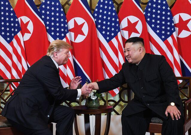 لقاء الرئيس الأمريكية دونالد ترامب وزعيم كوريا الشمالية كيم جونغ أون في العاصمة الفيتنامية هانوي، 27 فبراير/شباط 2019