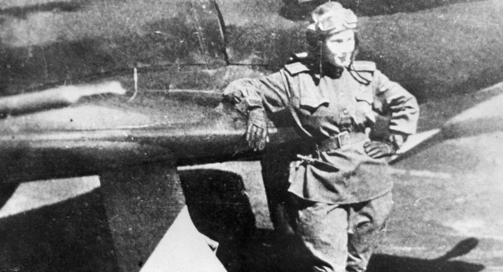 الطيارة الروسية ليديا ليتفياك