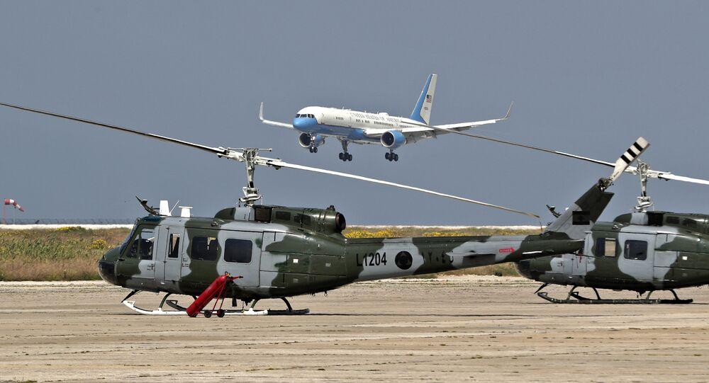 وصول بومبيو إلى مطار بيروت