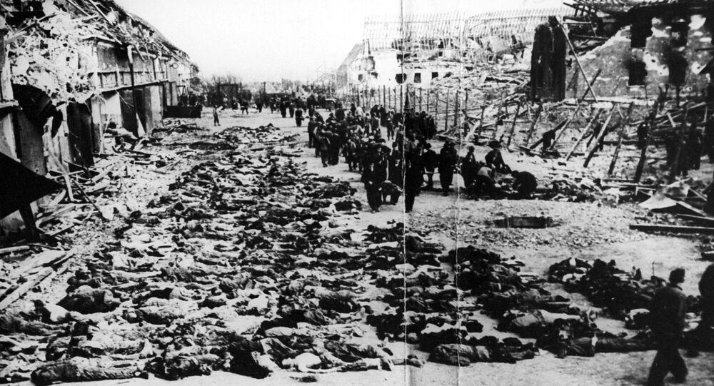 إطلاق النار على 2000 سجين في معسكر النازيين بشكل عاجل  في أراضي إستونيا المحتلة خلال الحرب العالمية الثانية، عام 1944