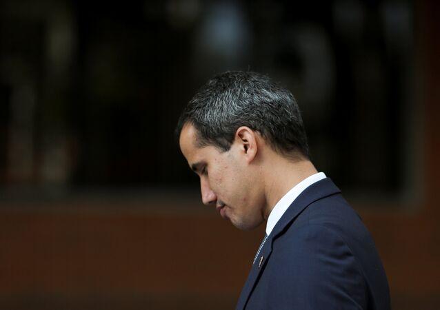 زعيم المعارضة الفنزويلية خوان غوايدو، الذي نصب نفسه رئيسا للبلاد