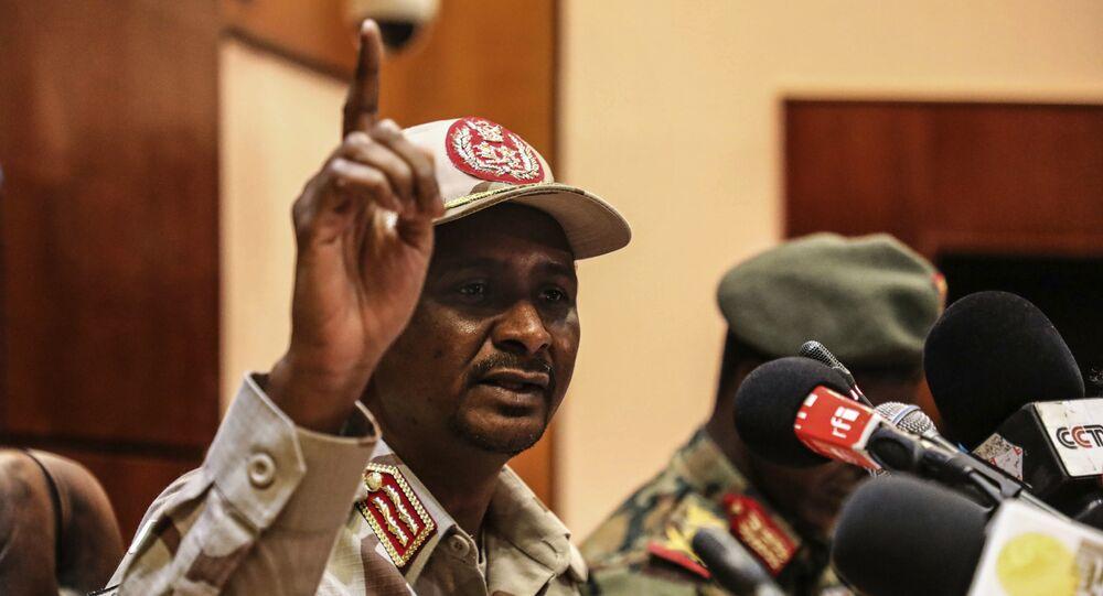 قائد قوات الدعم السريع، نائب رئيس المجلس العسكري بالسودان، محمد حمدان دقلو، المعروف بـحميدتي