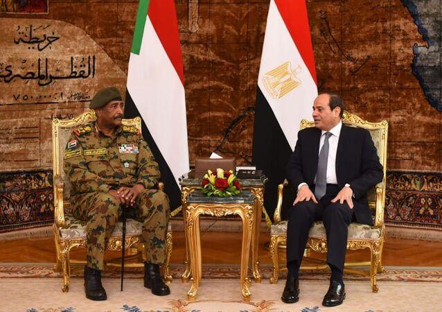 الرئيس المصري عبد الفتاح السيسي يستقبل رئيس المجلس العسكري السوداني عبد الفتاح البرهان