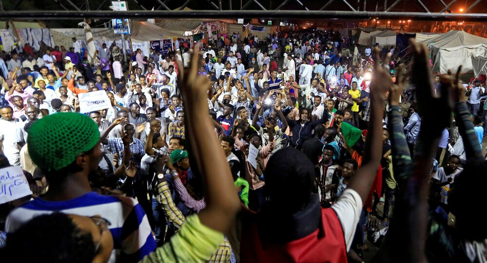 اعتصام في العاصمة السودانية الخرطوم ضد بقاء المجلس العسكري في السلطة