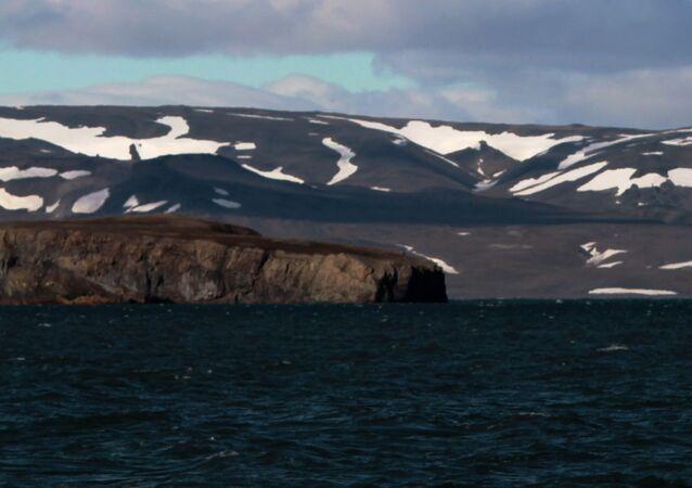 منطقة نوفايا زيمليا (الأرض الجديدة) في المحيد المتجمد الشمالي.