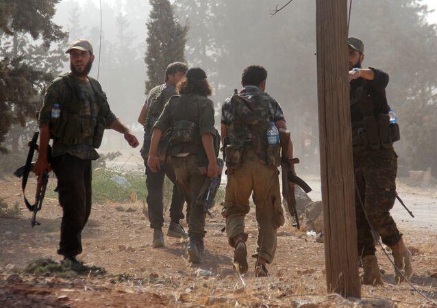 مقاتلين من تنظيم جبهة النصرة الإرهابي في الشمال السوري