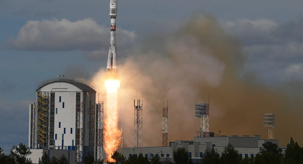 إطلاق الصاروخ الحامل سويوز-2 .1بي
