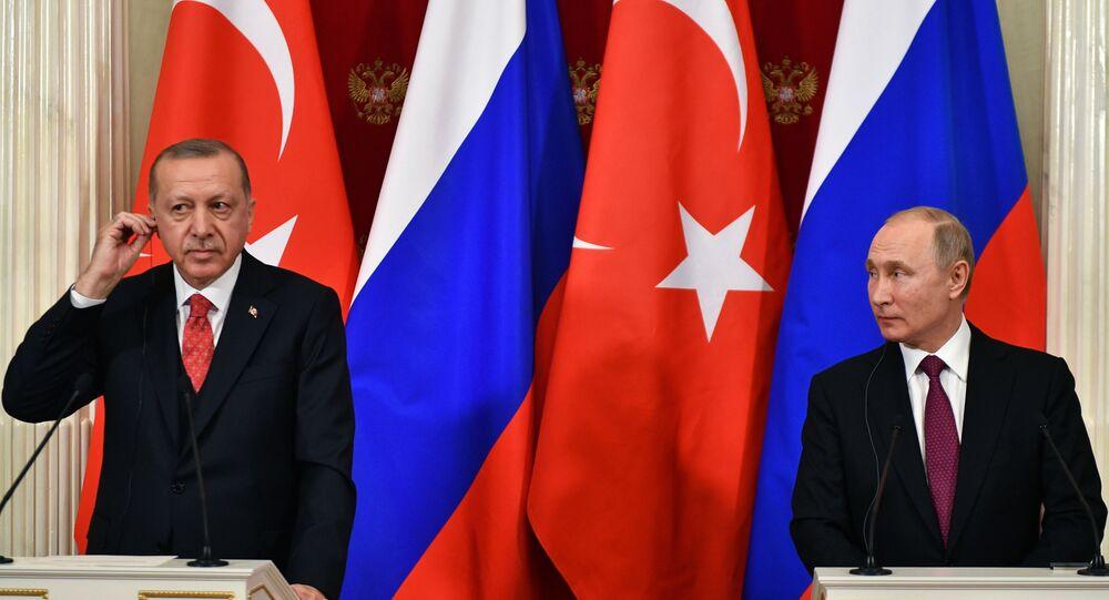 الرئيس الروسي فلاديمير بوتين والرئيس التركي أردوغان