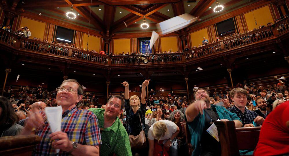 الحضور أثناء الحفل الـ29 لتوزيع جائزة إيغ نوبل (أو جائزة نوبل للحمقى) ، 12 سبتمبر 2019