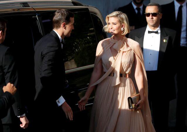 إيفانكا ترامب مع زوجها جاريد كوشنر في حفل زفاف مصممة الأزياء الإيطالية ميشا نونو، 20 سبتمبر/أيلول 2019