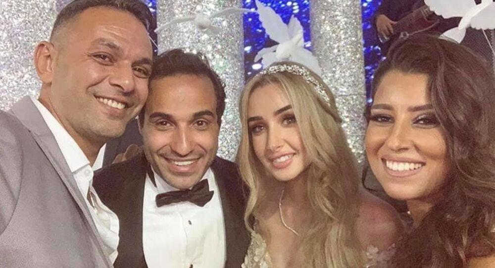 هنا الزاهد مع أحمد فهمي في حفل زفافهما ومعهما الفنانة أيتن عامر وزوجها