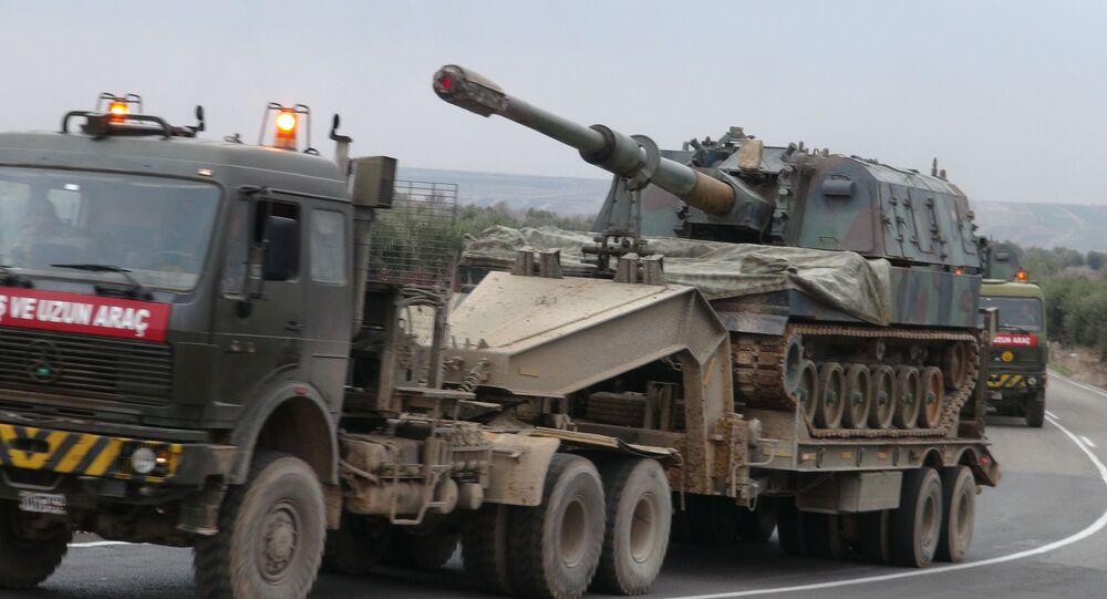 تركيا تحشد قواتها الخاصة إلى الحدود مع سوريا
