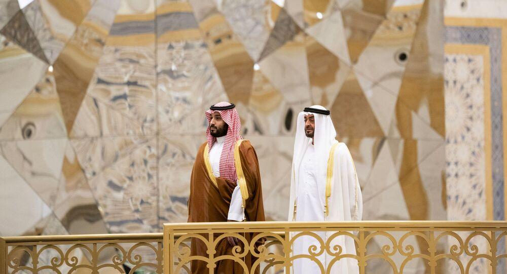 ولي عهد أبو ظبي الشيخ محمد بن زايد يستقبل ولي العهد السعودي الأمير محمد بن سلمان في قصر الوطن في الإمارات