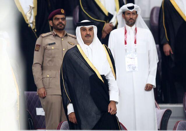 أمير قطر، الشيخ تميم بن حمد آل ثاني، أثناء حضور مباراة افتتاح كأس الخليج في الدوحة (خليجي 24)