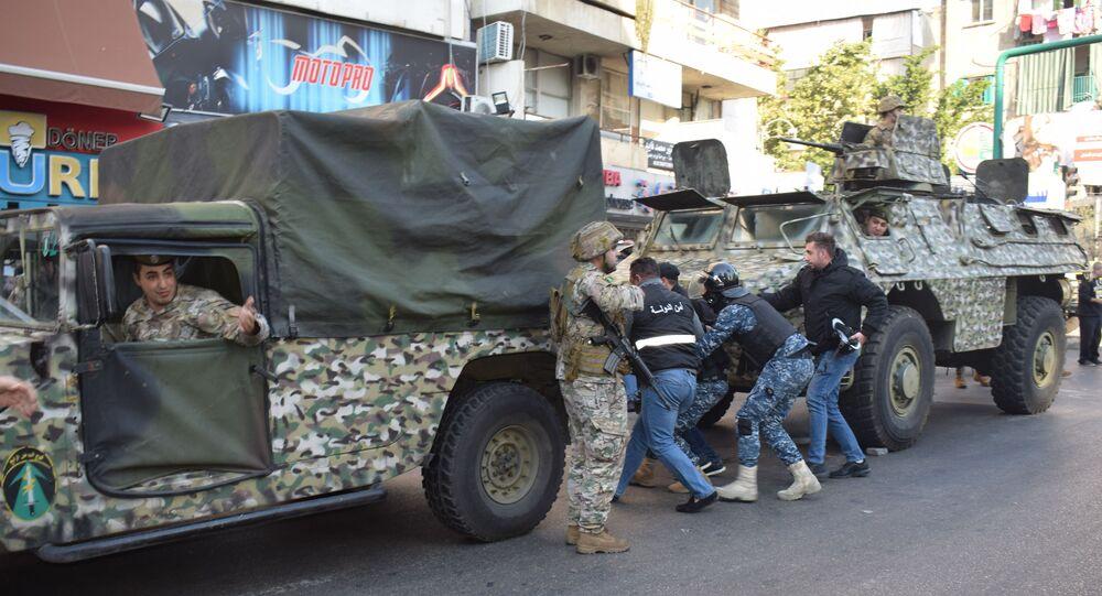 مواجهات بين الجيش اللبناني ومناصري الحريري