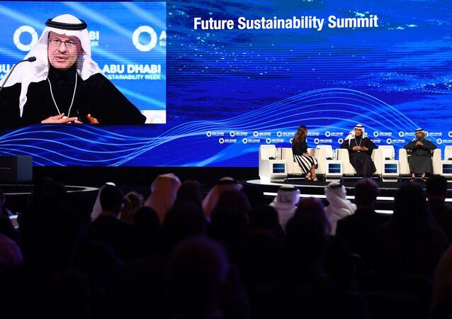 أسبوع أبوظبي للاستدامة 2020، 14 يناير 2020 - وزير الطاقة السعودي الأمير عبد العزيز بن سلمان آل سعود.