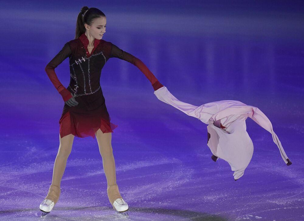 الروسية آنا شيرباكوفا خلال فقرتها الفنية في بطولة أوروبا للتزحلق على الجليد في غراتس، النمسا 26 يناير 2020