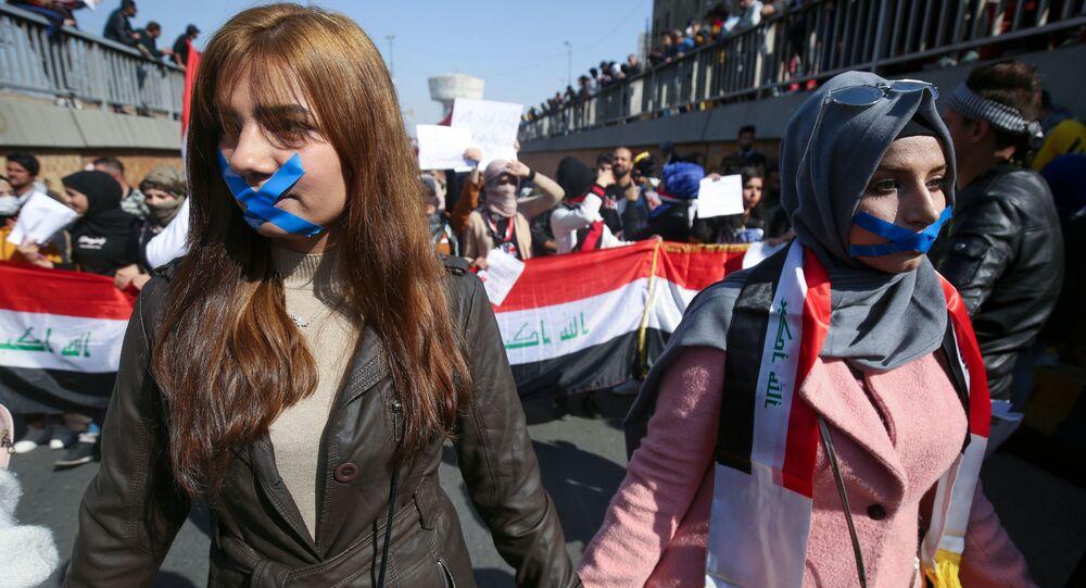 طلاب عراقيون يشاركون في احتجاجات العراق، بغداد 6 فبراير 2020