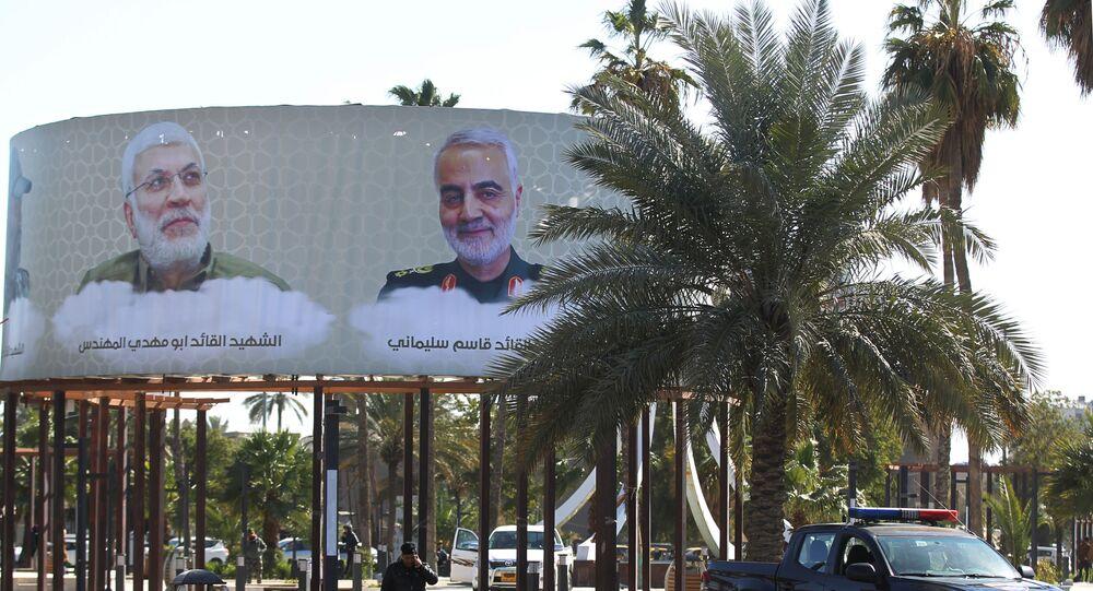 صور قائد فيلق القدس الجنرال قاسم سليماني، ونائب رئيس الحشد الشعبي أبو مهدي المهندس، في العاصمة العراقية بغداد