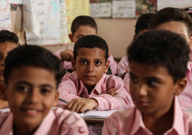 تلاميذ وطلاب مدرسة في مصر