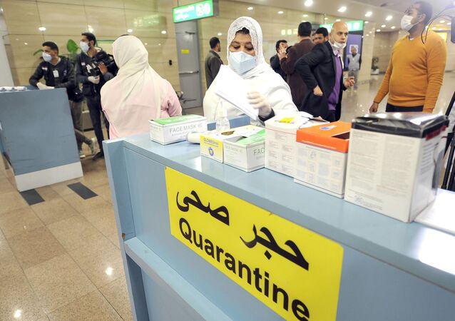 ممرضات في الحجر الصحي بمطار القاهرة- مصر - كورونا