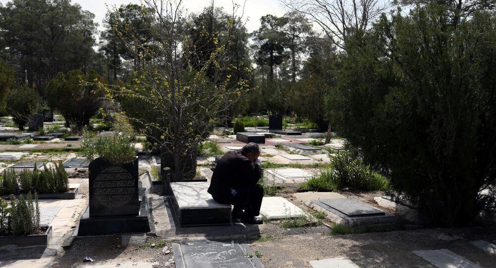 مقبرة بهشت زهرة في طهران - إيران - كورونا