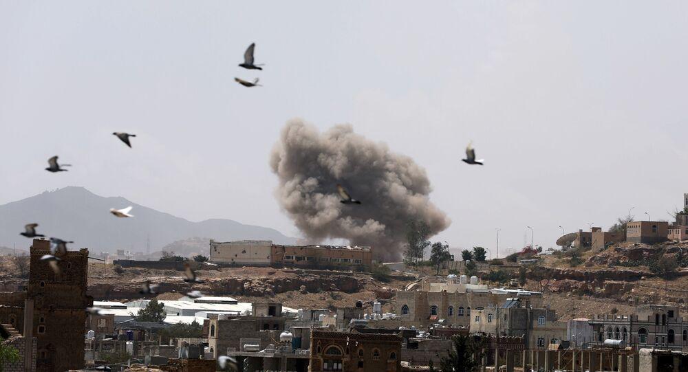قصف التحالف العربي على العاصمة اليمنية صنعاء