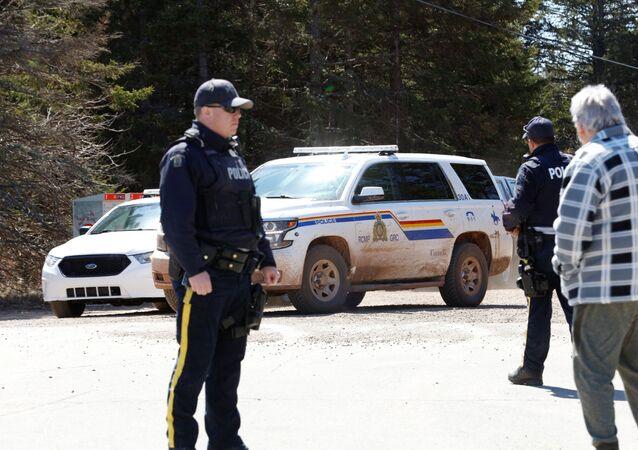 الشرطة الكندية، بعد إطلاق نار مكثف هز مدينة بورتابيك الريفية في إقليم نوفا سكوتيا شرق البلاد الأحد 19 أبريل 2020