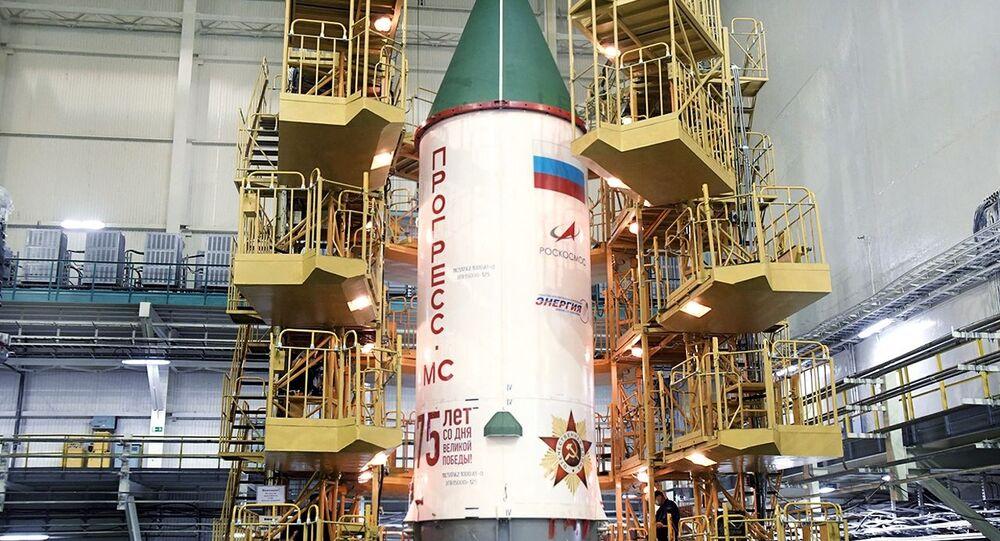 وكالة الفضاء الروسية روس كوسموس تقدم صاروخ حامل جديد يحمل اسم بوبيدا (النصر)، بمناسبة الذكرى الـ75 لعيد النصر في الحرب الوطنية العظمى (1941-1945)
