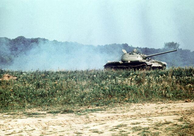 الدبابة تي-54