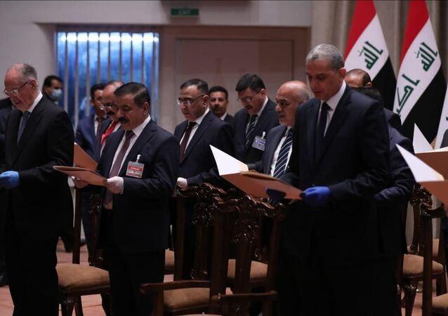 الحكومة العراقية الجديدة برئاسة مصطفى الكاظمي تؤدي اليمين الدستورية