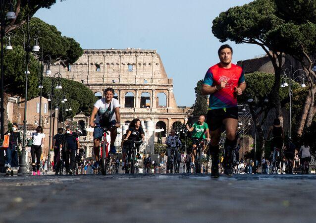 أوروبا تخرج من الحجر الصحي وتعود إلى الحياة الطبيعية - كورونا، إيطاليا، مايو 2020
