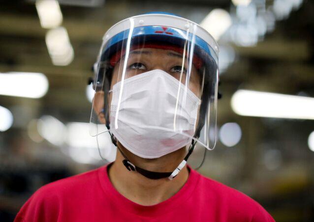 التدابير الصحية والإجراءات الوقائية  ضد تفشي فيروس كورونا في طوكيو، اليابان 18 مايو 2020