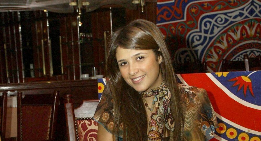 الفنانة المصرية ياسمين عبد العزيز