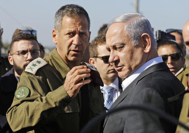 رئيس الوزراء الإسرائيلي بنياين نتنياهو ورئيس هيئة الأركان الإسرائيلية أفيف كوخافي
