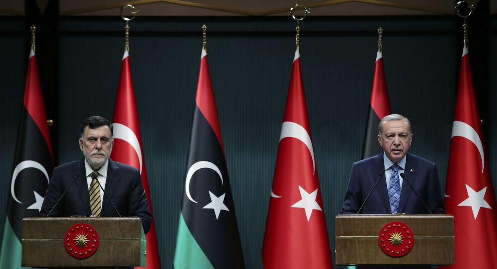 الرئيس التركي رجب طيب أردوغان ورئيس حكومة الوفاق الليبية فايز السراج، 4 يونيو 2020