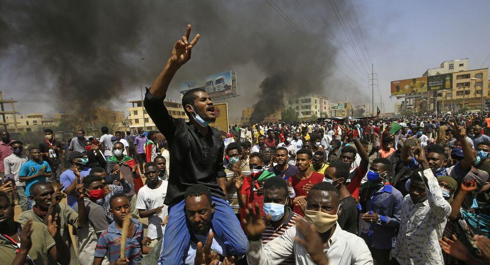 مظاهرات واسعة النطاق في الخرطوم، يطالب فيها المواطنون بالإصلاح، السودان 30 يونيو 2020